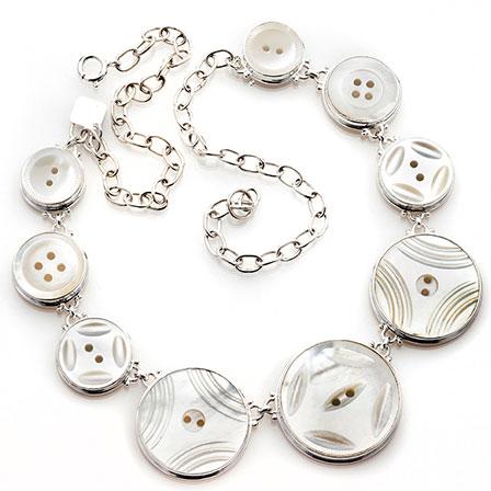 Vintage knappar pärlemor silver halsband Anna Örnberg