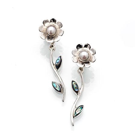 Blomma silver pärla örhänge Anna Örnberg