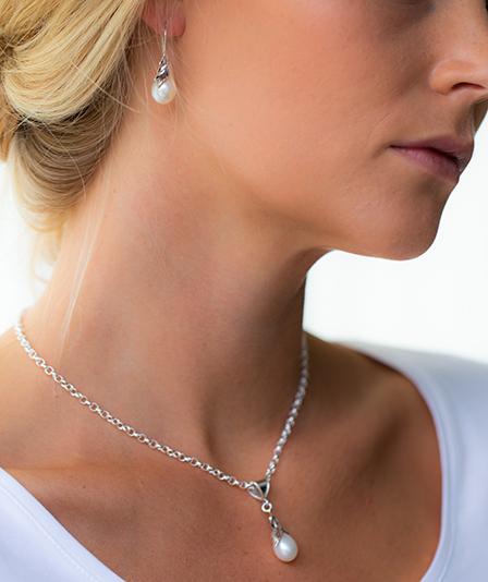 Sötvattenpärla örhängen silver Anna Örnberg