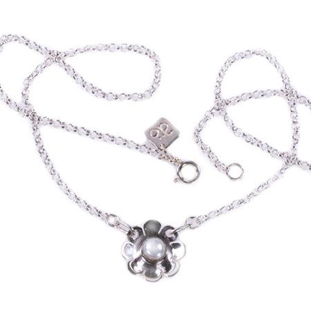 Halsband silver blomma pärla Anna Örnberg